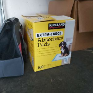 Puppy Absorbent Pads And Carrier for Sale in San Diego, CA