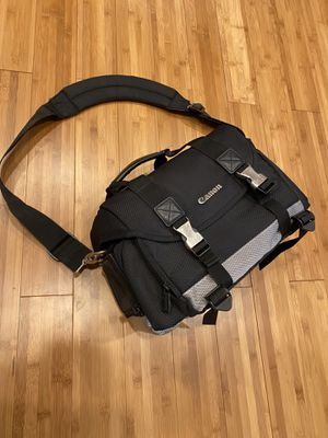 Canon 200DG digital camera dslr camcorder bag case for Sale in Miami Beach, FL