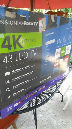"43""INSIGNIA ROKU SMART TV Ultra 4K HD mi # es {contact info removed} for Sale in Chicago, IL"