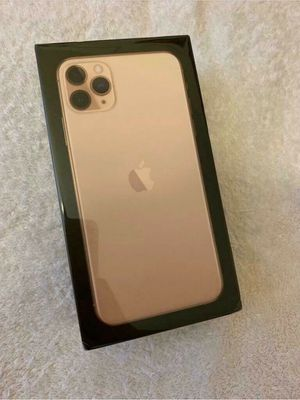 iPhone 11 pro max gold 256Gb for Sale in Atlanta, GA