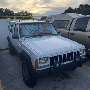 1994 Jeep Cherokee XJ 4.0 [tow away] for Sale in Riverview, FL