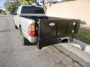 2002 4x2 Toyota Tacoma 2.4L with Lift Gate for Sale in Costa Mesa, CA