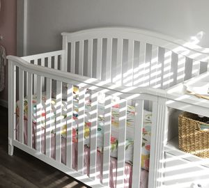 Crib/Changing Table, And Dresser for Sale in Perris, CA