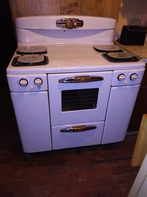 1950s vintage tappan deluxe gas stove for Sale in Farris, OK