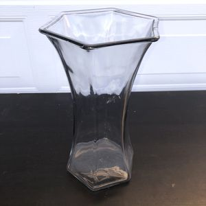 Large thick glass tall flower vase for Sale in Hillsborough, CA