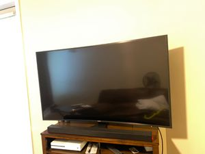 Samsung 52 inch curved 4K tv for Sale in Tacoma, WA