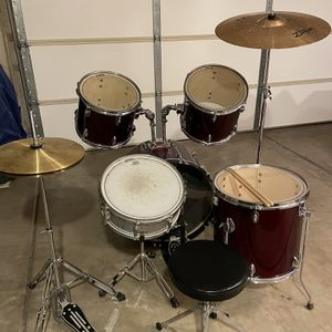 Set of Rocks drum. Zildjian ZXT Control Ride PCymbal 20 inch. Pearl pedal P-120P power shifter Bass Drum Pedal Single Chain. Complete Set In Excellent for Sale in Chandler, AZ