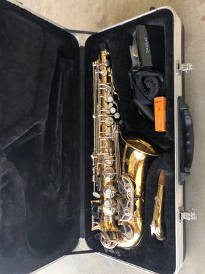 Selmer AS500 Sax with case and accessories for Sale in Midlothian, TX