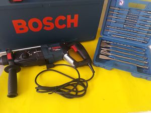 Rotary Hammer ( chipping hammer ) BOSCH. 8.5 amp.Brand new+ PUNTAS for Sale in Miami, FL