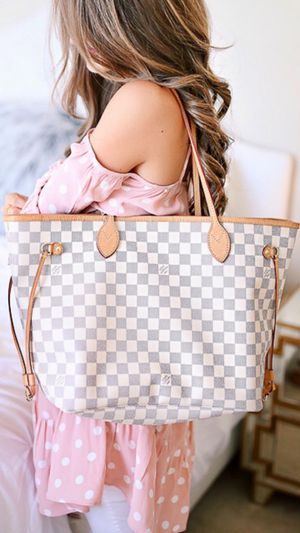 Louis Vuitton Neverfull Bag MM for Sale in Las Vegas, NV