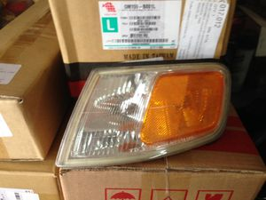 97 Honda Accord left front turn lamp for Sale in Moreno Valley, CA