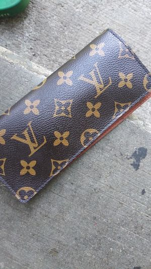 Lv wallet for Sale in Columbus, OH