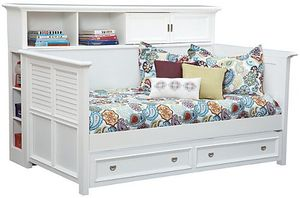 White daybed with bookcase and trundle for Sale in Fenton, MI