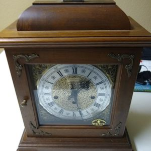 Antique Hamilton Mantle Chime Clock for Sale in Tomball, TX