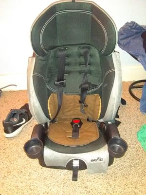 Evenflo Chase Car seat/Booster seat for Sale in Baltimore, MD