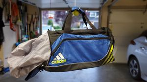 Adidas duffle bag for Sale in Issaquah, WA