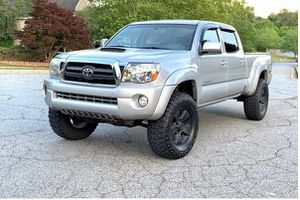 Beautiful 2009 Toyota Tacoma 4WDWheels for Sale in Fort Collins, CO