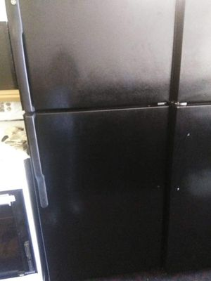 Refrigerator for Sale in CRYSTAL CITY, CA