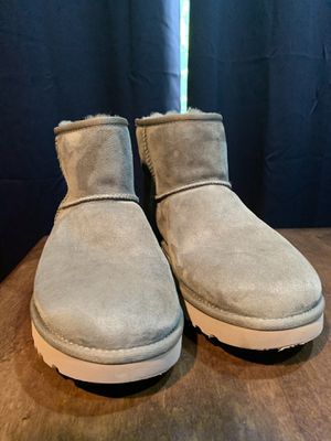 New women's size 11 ugg boots. New never worn. Green for Sale in Normal, IL