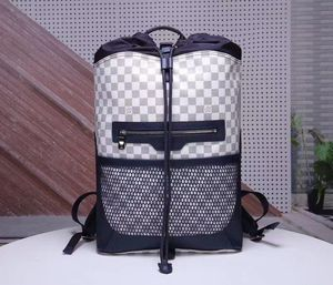 Backpack LV for Sale in Pompano Beach, FL
