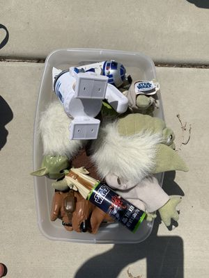 Star Wars flashlights and small stuffed characters for Sale in Encinitas, CA