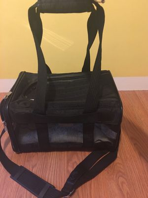 Pet carrier for Sale in Durham, NC