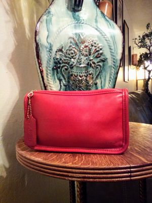 Vintage COACH Red Cowhide Genuine Leather Clutch Purse or Travel Size Cosmetic Makeup Bag for Sale in Phoenix, AZ