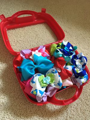 Beautiful Hair Bows for girls (with carry case) for Sale in Folsom, CA