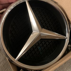 Mercedes Grill Emblem for Sale in Santa Ana, CA