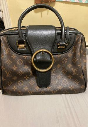 Louis Vuitton bag for Sale in Riverside, NJ