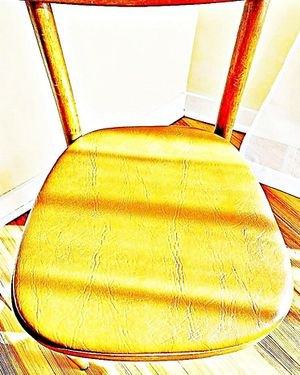 Wooden Shelby Williams Industries MCM chairs (4) with leather seat cushion. for Sale in Atlanta, GA