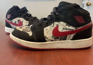 """Nike Air Jordan 1 Mid SE 7Y """"Newspaper Air Times"""" red/black/white for Sale in Liberty, MO"""