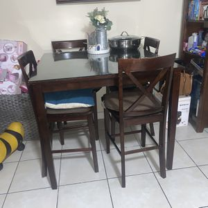 High Dining Table With Glass Top for Sale in Baldwin Park, CA