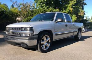 2001 Chevy Silverado Great work truck for Sale in Tampa, FL