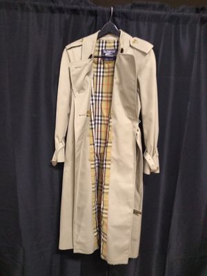 Burberrys' trench coat for Sale in Fort Worth, TX