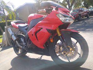 2005 Kawasaki Ninja ZX10R clean title in hand tags 2021 for Sale in Garden Grove, CA