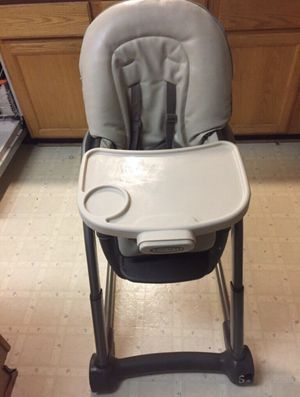 4 in 1 high chair for Sale in Columbia, MD