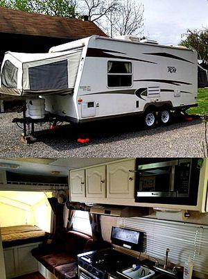 19ft. hybrid camper Rockwood ROO Forest River 09 for Sale in Los Angeles, CA