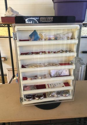 Jewelry display for Sale in Fort McDowell, AZ