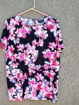 Flowered Shirt for Sale in Fresno, CA