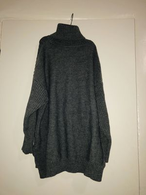 Grey sweater for Sale in Los Angeles, CA