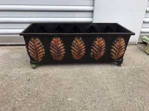 Metal home decor each one $15 firm on price for Sale in Dinuba, CA