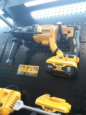 Dewalt DCH263R2 1 1/8 in 20 volt sds plus rotary hammer kit for Sale in Pompano Beach, FL