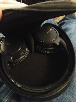 Sony Bluetooth Headphones for Sale in Everett, WA