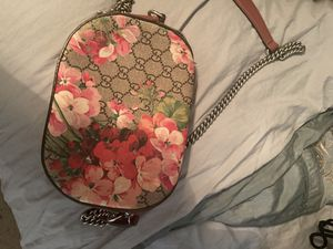 Gucci GG Blooms supreme canvas shoulder bag for Sale in Brentwood, CA