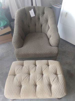 Chair and ottoman for Sale in Franklin, TN