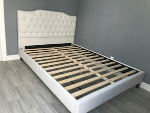 Queen Size Bed Frame for Sale in Santa Ana, CA