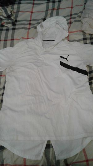 PUMA E.VO casual hooded t-shirt size L for Sale in Brooklyn, NY