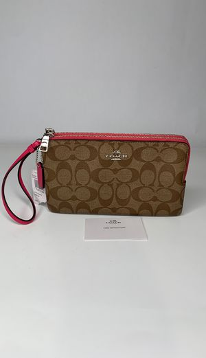 COACH Signature Double Zip Wallet/Wristlet for Sale in Dublin, OH