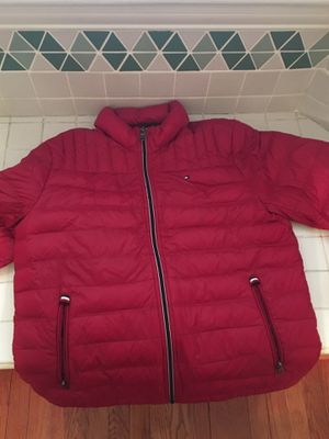 Men's large Tommy Hilfiger Bubble Coat for Sale in Wheaton, MD